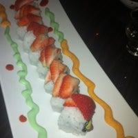 Foto diambil di Edoko Sushi & Robata oleh L H. pada 12/14/2011