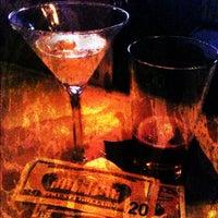 Foto tirada no(a) The Lady Silvia Lounge por CulinarySchmooze em 11/8/2011