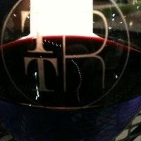 รูปภาพถ่ายที่ The Tasting Room โดย Ed B. เมื่อ 9/20/2011