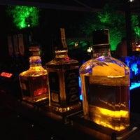 6/7/2012 tarihinde Agayevziyaretçi tarafından Pool Pub'de çekilen fotoğraf