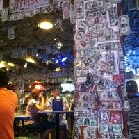 Foto tomada en Siesta Key Oyster Bar por Geoffrey F. el 7/5/2012