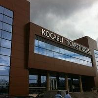 Foto tirada no(a) Kocaeli Ticaret Odası por Fatih Ö. em 8/28/2012