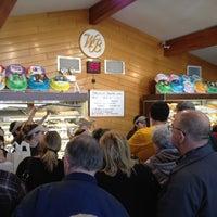 Снимок сделан в Weber's Bakery пользователем Kati P. 4/6/2012