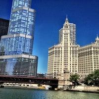 Foto tomada en Chicago Architecture Foundation River Cruise por 😃 Suhaila el 8/6/2012