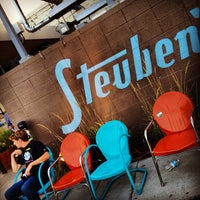 Снимок сделан в Steuben's пользователем Ricky P. 8/20/2012