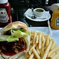 Снимок сделан в Brasil Burger пользователем Carlos Eduardo S. 12/12/2011