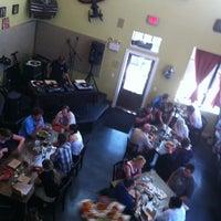 Снимок сделан в Ella's Americana Folk Art Cafe пользователем Janette B. 5/20/2012