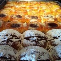 Foto tomada en Central de Pizzas por Rafepa M. el 11/26/2011