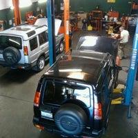 6/21/2011にShawn U.がUniversal Auto Repairで撮った写真