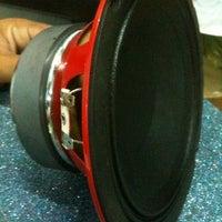 Photo prise au หนุ่ย Car Audio par Tippy Z. le6/8/2011