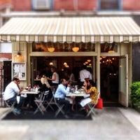 รูปภาพถ่ายที่ Mermaid Oyster Bar โดย Steven E. เมื่อ 5/31/2012