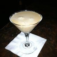 Снимок сделан в Lancers Cocktail Lounge пользователем Skyler M. 5/8/2011