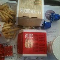 Foto tomada en McDonald's por Priscilla M. el 8/27/2011