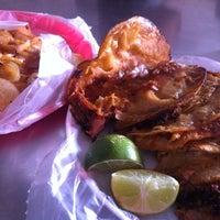 Foto tomada en Tacos de Barbacoa El Amigo por Oasisantonio el 6/24/2012