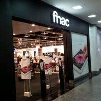 Foto tomada en Fnac por Rafael D. el 5/15/2012