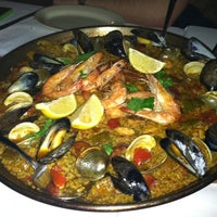 Photo prise au Barcelona Wine Bar Inman Park par Robert L. le11/11/2011
