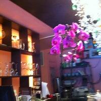 6/12/2012にRyan S.がVIP Thaiで撮った写真