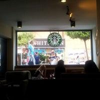 Photo prise au Starbucks par Oguz K. le7/5/2012