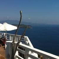 Foto tirada no(a) Kivo Art Hotel & Suites Skiathos por Antonios M. em 9/6/2012
