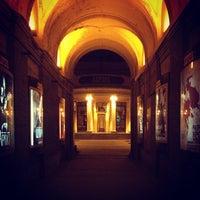 รูปภาพถ่ายที่ Avrora Cinema โดย evgen เมื่อ 4/1/2012