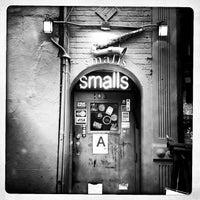 Das Foto wurde bei Smalls Jazz Club von Todd S. am 4/3/2012 aufgenommen
