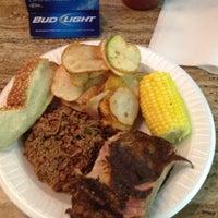 Foto diambil di The Galax Smokehouse oleh Kevin S. pada 6/27/2012