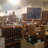 5/24/2012 tarihinde Alice H.ziyaretçi tarafından The Wine House'de çekilen fotoğraf