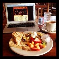 3/28/2012にPhillip K.がLiberty Barで撮った写真