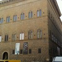 Das Foto wurde bei Palazzo Strozzi von Rosario P. am 2/17/2012 aufgenommen