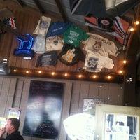 Foto tirada no(a) d.d. Peckers' Wing Shack por Scott AKA HollyWood H. em 2/17/2012