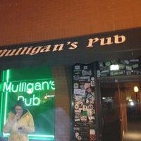 รูปภาพถ่ายที่ Mulligan's Pub โดย Mr F. เมื่อ 3/9/2012