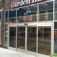 Foto tirada no(a) Hilton Garden Inn por David N. em 4/16/2012