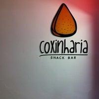 รูปภาพถ่ายที่ Coxinharia Snack Bar โดย Isabela M. เมื่อ 8/4/2012