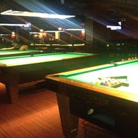 Foto scattata a Society Billiards + Bar da Tati ✈ il 9/5/2012