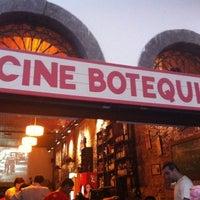 Foto tirada no(a) Cine Botequim por Ronald S. em 1/19/2011