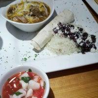 รูปภาพถ่ายที่ Caballero Grill โดย Chelsea S. เมื่อ 1/24/2012