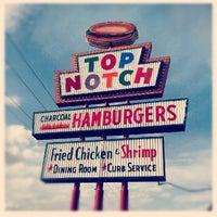 7/2/2012 tarihinde Allie T.ziyaretçi tarafından Top Notch'de çekilen fotoğraf