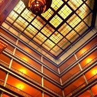 Das Foto wurde bei The Brown Palace Hotel and Spa von Greg V. am 6/28/2012 aufgenommen