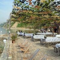 Das Foto wurde bei Мидената Ферма Дълбока (Dalboka Mussel Farm) von Бирохолици am 8/21/2012 aufgenommen