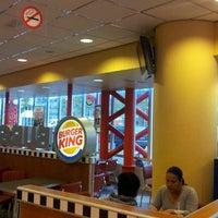 รูปภาพถ่ายที่ Burger King โดย Robin 2. เมื่อ 10/11/2011