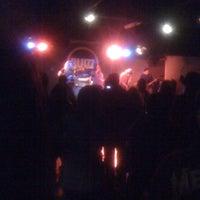 Foto tomada en Bluzz Live por Martin E. el 8/28/2011