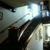 Снимок сделан в Webster House Antiques пользователем Andrew G. 9/2/2011