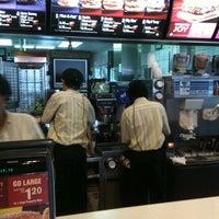 Foto diambil di McDonald's / McCafé oleh Curry K. pada 12/31/2010
