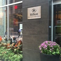 Foto tomada en Hilton New York Fashion District por Zeynel B. el 9/30/2011