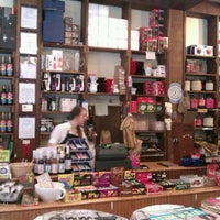 Das Foto wurde bei The Coffee & Tea Exchange von Jennifer W. am 9/25/2011 aufgenommen
