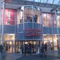 Das Foto wurde bei Altmarkt-Galerie von Daniil S. am 1/20/2012 aufgenommen