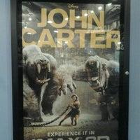 รูปภาพถ่ายที่ Great Clips IMAX Theater โดย Rodney J. เมื่อ 2/2/2012