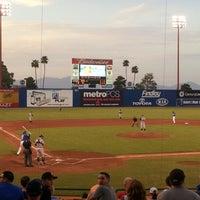 8/17/2012 tarihinde Heatherziyaretçi tarafından Cashman Field'de çekilen fotoğraf