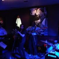 Photo prise au Alleycatz Live Jazz Bar par Rezalution le3/11/2012