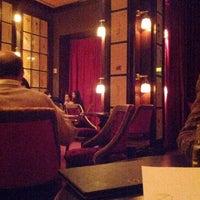 รูปภาพถ่ายที่ The NoMad Hotel โดย Regina C. เมื่อ 3/17/2012